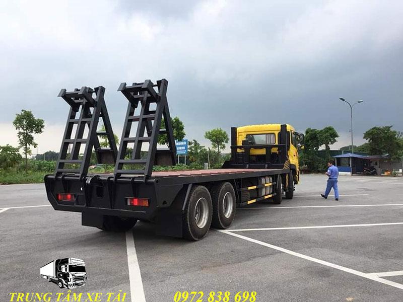 xe phooc nâng đầu chở máy dongfeng 4 chân