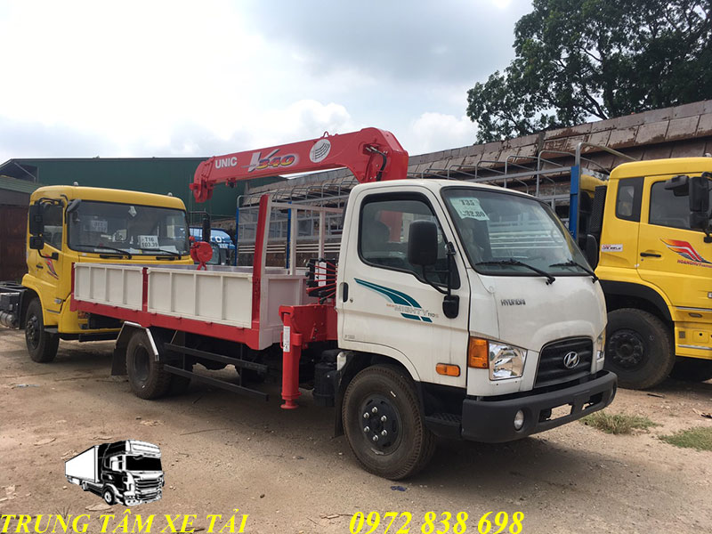 xe tải hyundai 110s gắn cẩu unic 3 tấn